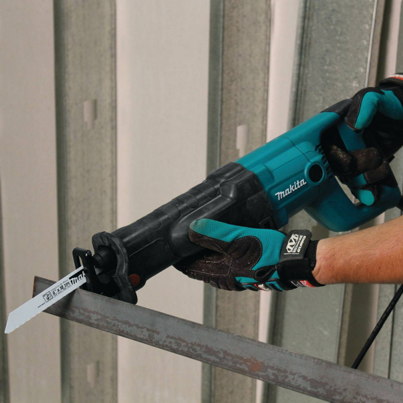 Sierra Sable 1010 W Makita JR3050T
